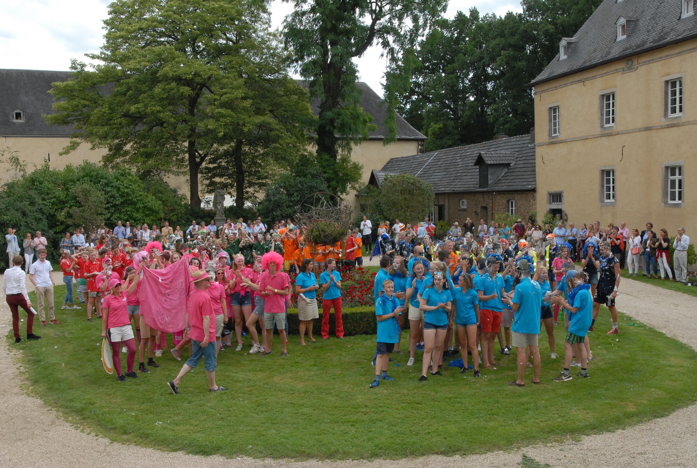Radeltour endet auf Burg Adendorf